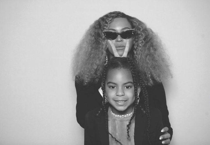 El estilo que tiene Blue es muy parecido al que Beyoncé tenía en su niñez. (Foto: Beyonce.com).