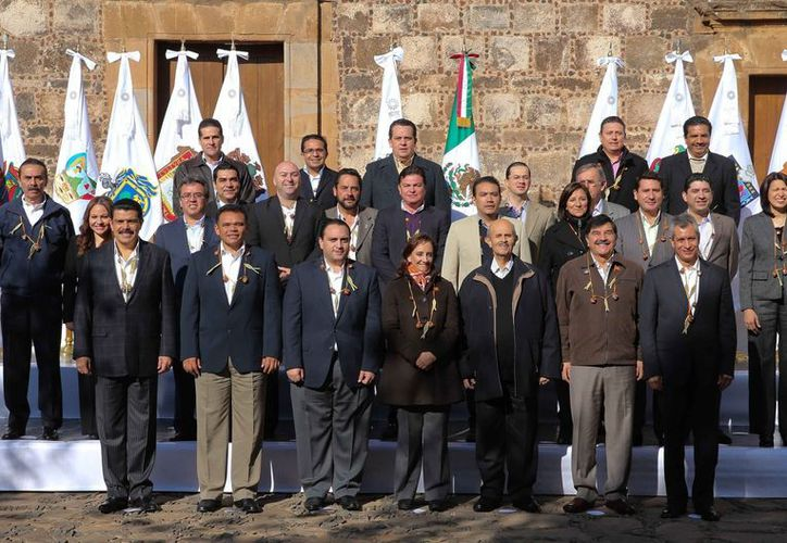 Zapata Bello planteó siete acciones para fortalecer la agenda turística nacional, durante la reunión de la Conago en Michoacán. (Cortesía)