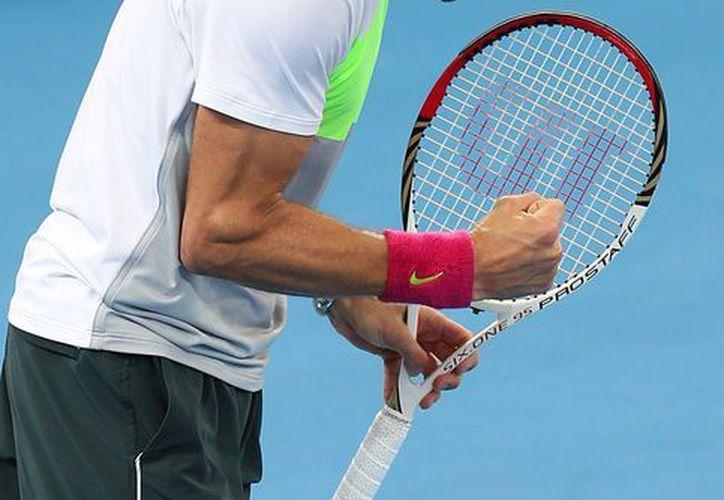 Grigor Dimitrov de Bulgaria en el partido contra Andy Murray de Gran Bretaña durante el torneo de tenis de Brisbane. (Agencias)