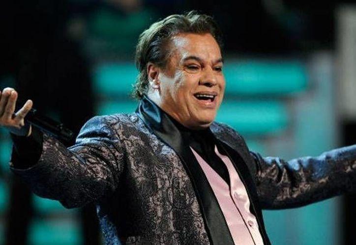"""Sólo 4,000 personas podrán el """"banquete"""" del dueto Juan Gabriel-Marc Anthony. (brasero.com.mx)"""