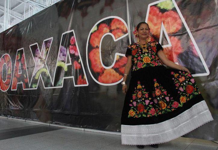Esperan más de dos mil personas en la fiesta oaxaqueña. (Victoria González/SIPSE)