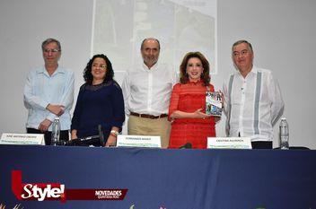 Cristina Alcayaga presenta su nuevo libro