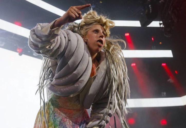 Lady Gaga pasó una hora respondiendo preguntas del público que acudió al Festival SXSW y revelando detalles de los obstáculos que ha enfrentado como su cirugía de cadera y la ruptura con su mánager Troy Carter. (Agencias)