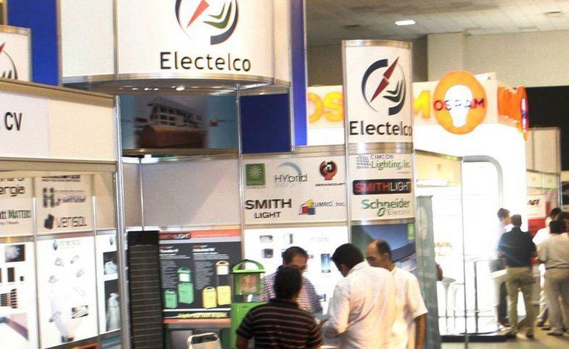 Distribuidores e industriales abrieron la Expo Eléctrica 2013 Sureste, en el Siglo XXI. (Milenio Novedades)
