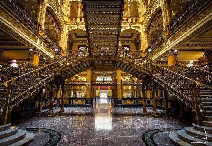El próximo 17 de febrero cumple 109 años el Palacio Postal de México que en la actualidad entrega tres millones de piezas postales en promedio al día. (Sepomex)