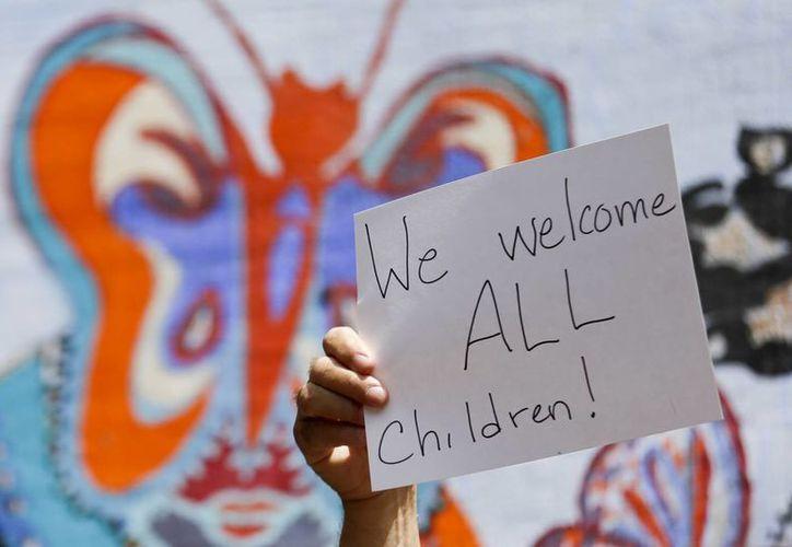 La detención de la mujer mexicana ocurre cuando en EU enfrenta una crisis humanitaria por el número de menores que cruzan la frontera cada día. (AP)