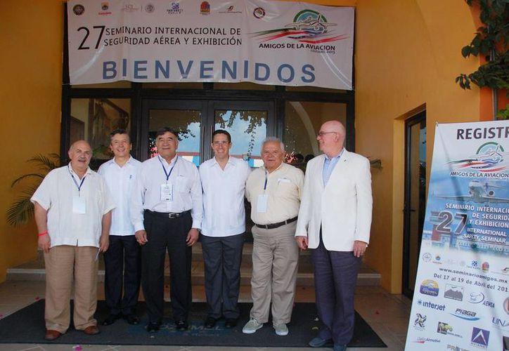 Los participantes en el primer día del seminario. (Coprtesía/SIPSE)