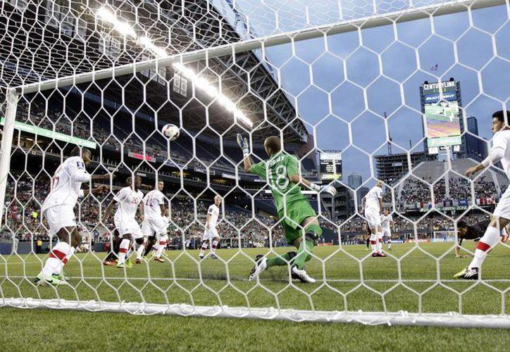 México rescató tres puntos ante Canadá. (Agencias)