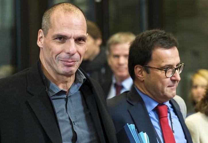 Yanis Varufakis, ministro de finanzas de Grecia, sostuvo una reunión con sus homólogos europeos para tratar la deuda de su país. (AP)
