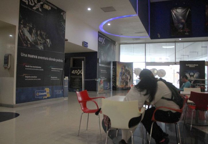 Se detectaron irregularidades en los cines. (Sergio Orozco/SIPSE)