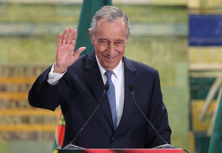 Rebelo de Souza, en la imagen, obtendría la presidencia portuguesa sin necesidad de una seguda vuelta. (AP)