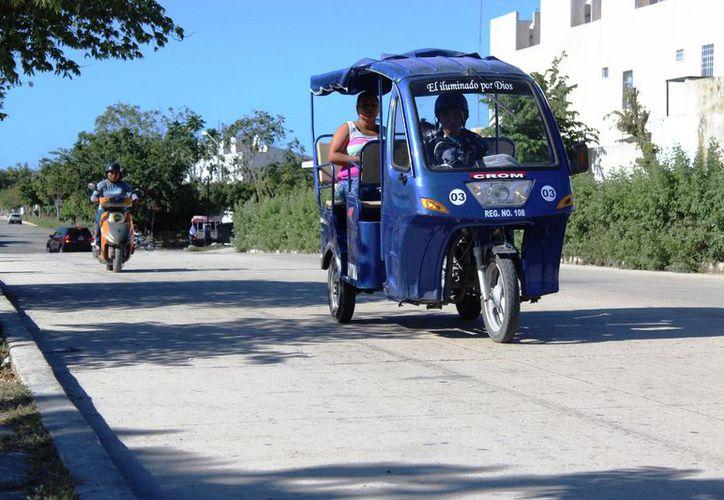 Piden a los conductores brindar las corridas solamente dentro de su demarcación. (Octavio Martínez/SIPSE)