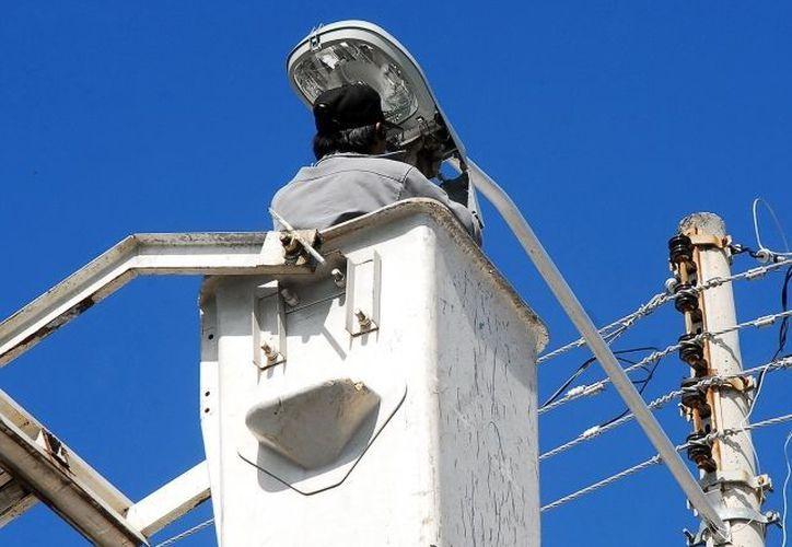 Las pruebas determinarán cuales son las lámparas ideales para sustituir las actuales. (Archivo/SIPSE)
