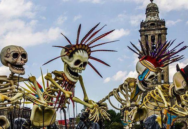 El primer gran desfile de 'Día de Muertos. México celebra a sus difuntos' se realizará el sábado 29 de octubre, en la Ciudad de México. (rutasinaloa.mx)