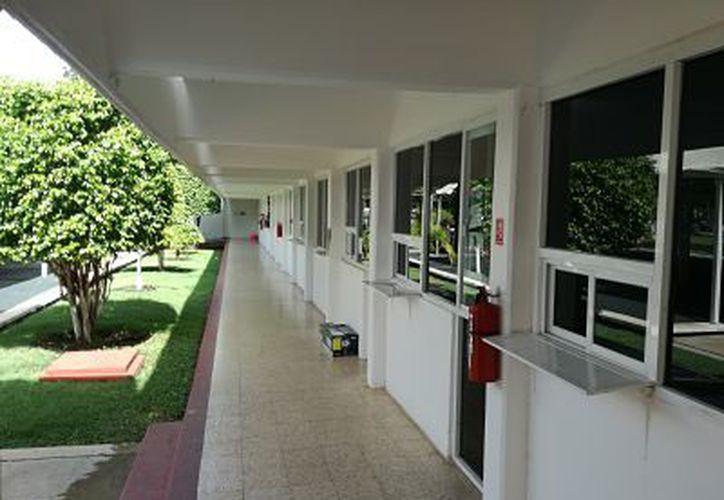 DIF modernizará edificio para facilitar el acceso a personas con discapacidad. (Foto: Ángel Castilla/SIPSE)