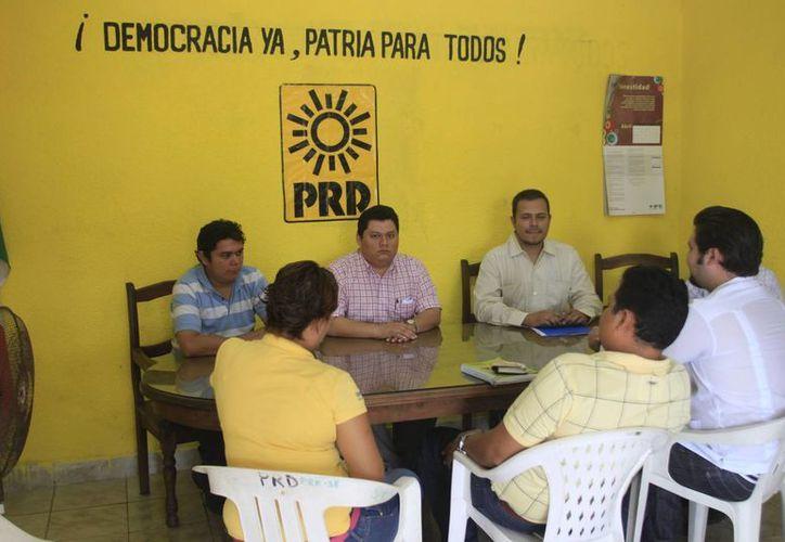 Reconoce Marcelo Ebrad que el PRD enfrenta una desunión. (Harold Alcocer/SIPE)