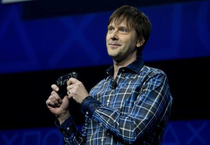 Marc Cerny mostró las características del PlayStation 4. (Agencias)