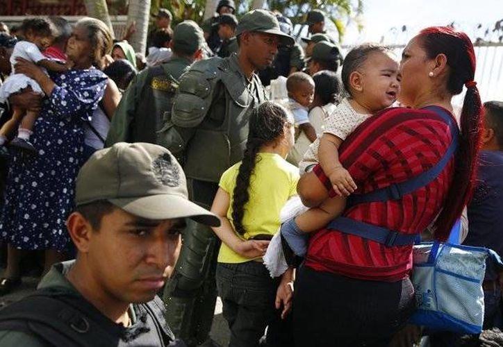 La crisis económica que enfrenta Venezuela, dominada por una desbordada inflación, golpeó con mayor intensidad a los sectores más vulnerables del país. (Archivo/Reuters)