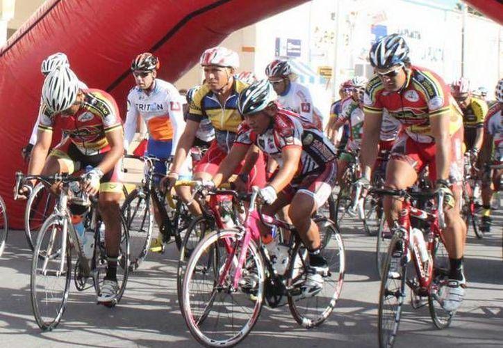 En la competencia, que reunió a unos 120 pedalistas de la región y de Belice. (Milenio Novedades)