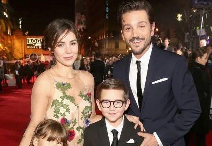 Camila Sodi Y Sus Hijos