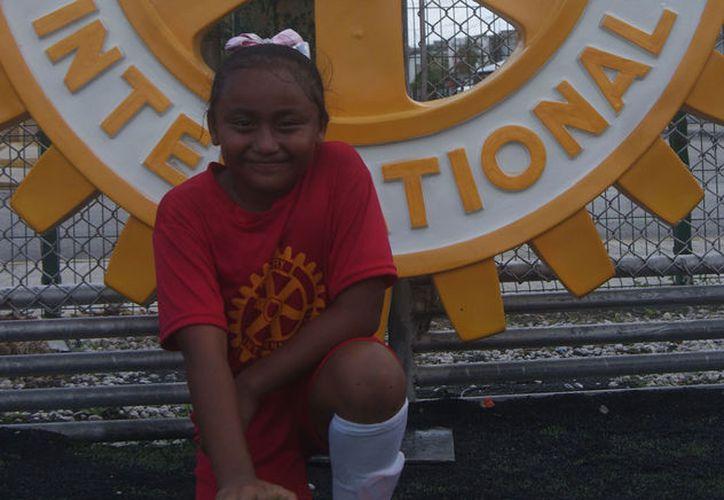 Abigail tiene un gran futuro gracias a la pasión, compañerismo y talento para el deporte. (Ángel Villegas/SIPSE)