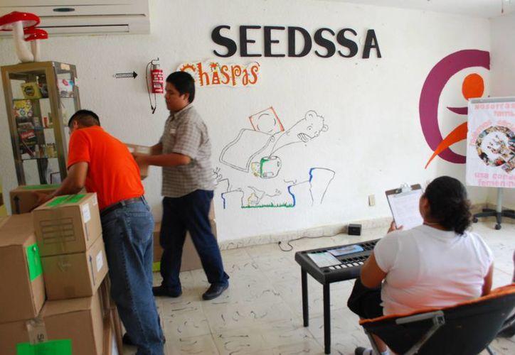 La meta es aplicar 550 pruebas de VIH a hombres, 70 para trabajadores sexuales y captar a tres mil 500 para entregar condones. (Tomás Álvarez/SIPSE)