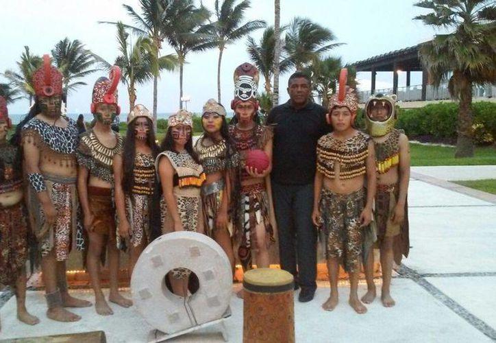 """""""Los niños mayas de Cancún"""" se presentaron recientemente en República Dominicana. (Andrea Aponte/SIPSE)"""