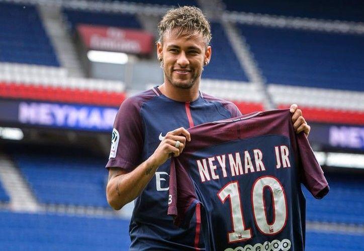 Durante su presentación en el PSG, Neymar se declaró listo para jugar en su  nuevo equipo. (Foto: Contexto/Internet)
