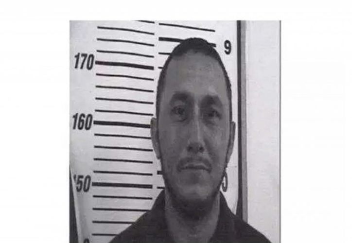 Guardias vigilaban a Muñoz cada 30 minutos, antes de que lo encontraran inconsciente en el suelo. (Excélsior)