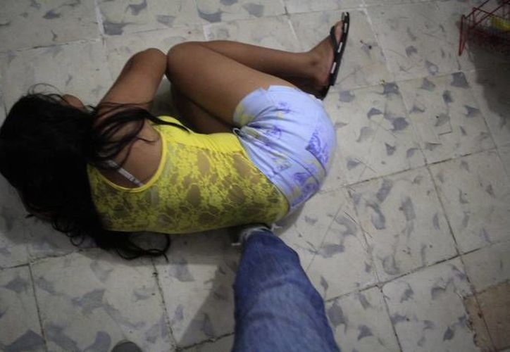 Una mujer en Hunucmá sufrió un brutal ataque por su marido, ya que éste la encontró supuestamente chateando con otra persona. (Imagen ilustrativa/ SIPSE)
