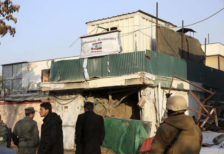 En el atentado en el restaurante popular falleció el representante del Fondo Monetario Internacional (FMI) en Afganistán y cuatro miembros de la ONU. (Agencias)