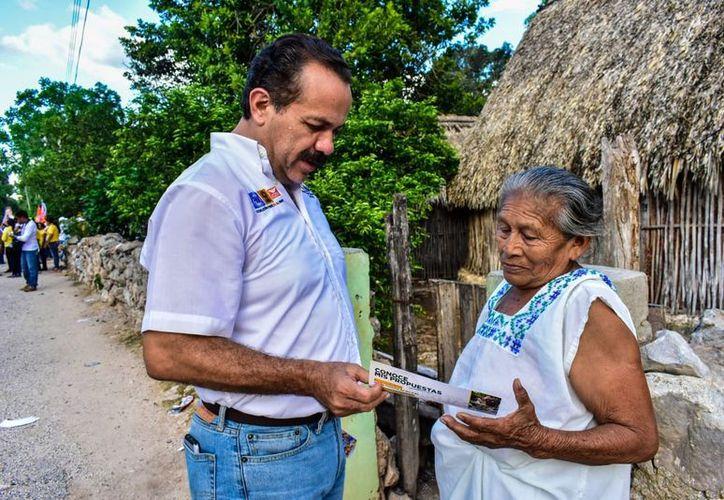 El candidato Julián Ricalde señaló que es necesaria la instrumentación de un Sistema Nacional de Vivienda. (Foto: Redacción/SIPSE)