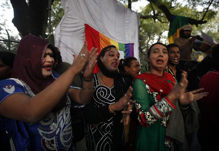 Después de conocerse el fallo decenas de activistas se congregaron frente al edificio del tribunal. (Agencias)