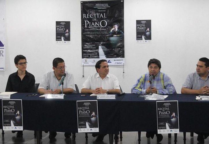 Dirigentes de la Canaco ofrecieron detalles del concierto. (Milenio Novedades)