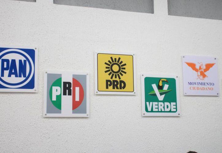 Hoy mismo podrían concretarse alianzas entre los partidos políticos. (Jorge Carrillo/SIPSE)