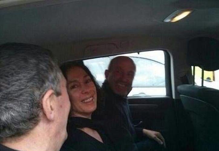 Sin hacer declaraciones, Inés Del Río y sus acompañantes,abandonaron la zona en cuatro vehículos. (José Antonio López/Milenio)