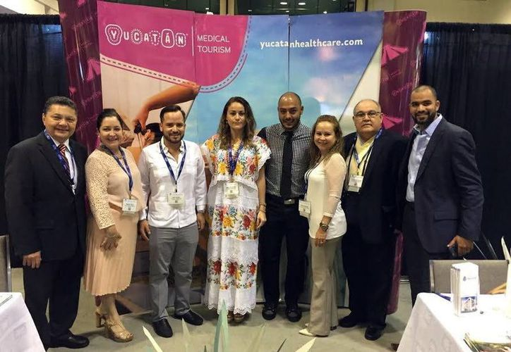Imagen de la delegación de Yucatán que participa en el World Medical Tourism and Global Healthcare Congress en Orlando, Florida. (Milenio Novedades)