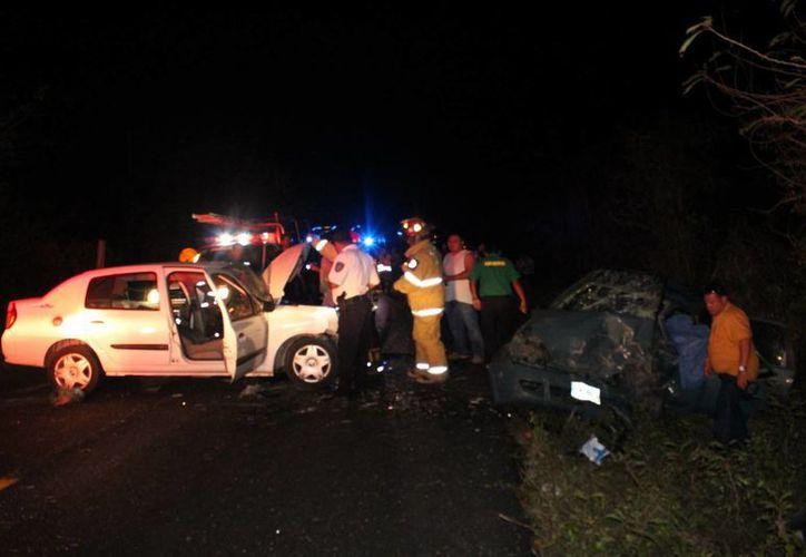 El percance se registró entre dos vehículos la noche de ayer. (Redacción/SIPSE)