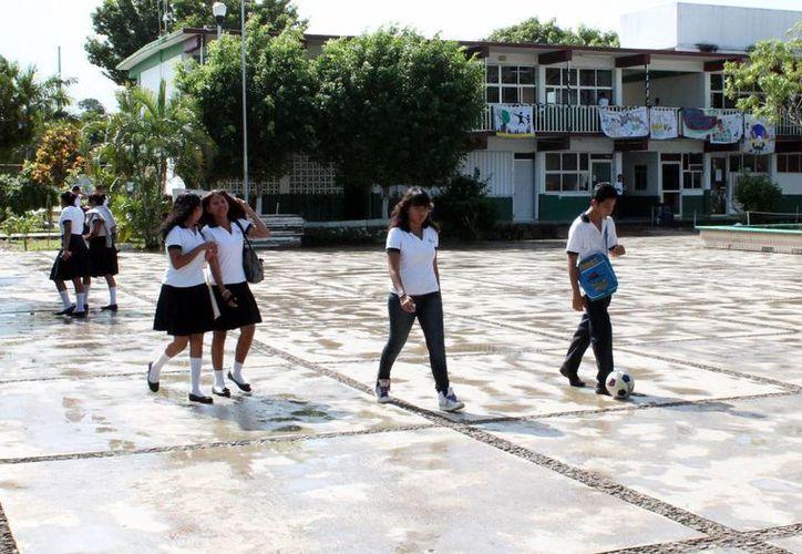 La deserción escolar en el medio superior en Quintana Roo alcanza el 45 por ciento. (Gerardo Amaro/SIPSE)