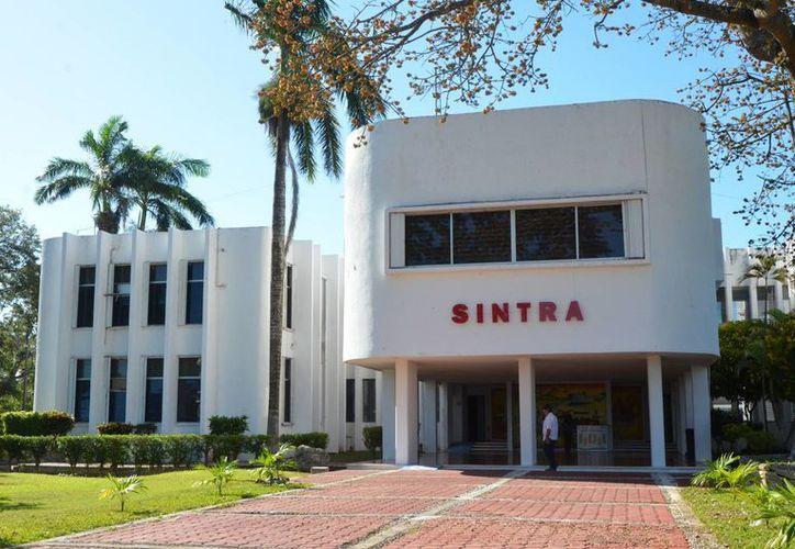 El documento establece una serie de preceptos que el funcionario de Sintra compromete a cumplir. (Foto: Eddy Bonilla)