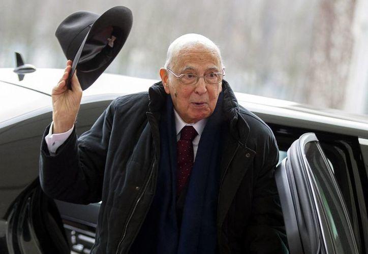 El presidente italiano Giorgio Napolitano ejercerá segundo mandato, después de que los partidos políticos le rogasen que aceptase volver a presentar su candidatura. (Agencias)