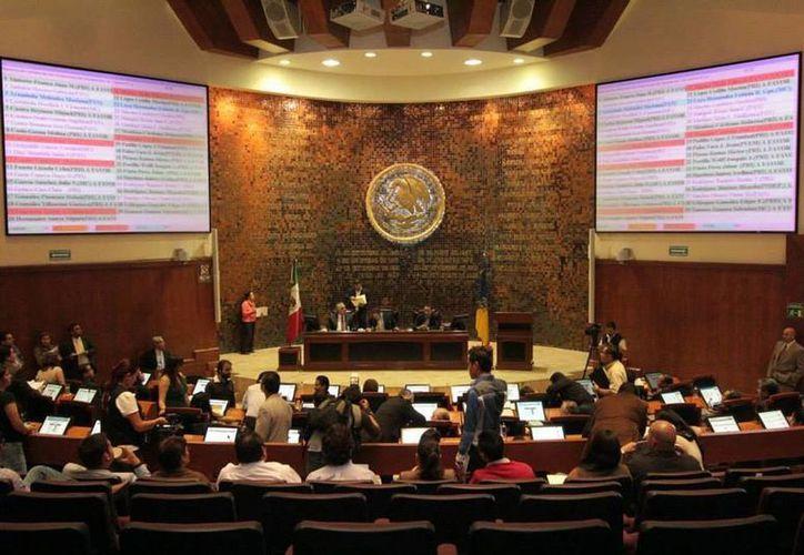 Se averiguaron los vergonzosos pagos hechos por diputados de Jalisco con recursos públicos. (Milenio)