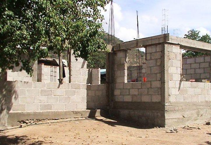 El costo de las casas será de 124 mil 480 pesos, del cual el beneficiario dará 10%, es decir, 12 mil 480 pesos.