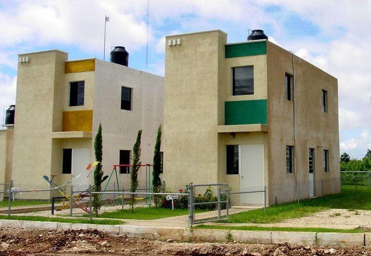 Aunque todavía no existen multifamiliares como en otras ciudades, en Mérida ya existen algunas viviendas verticales. (SIPSE/Archivo)
