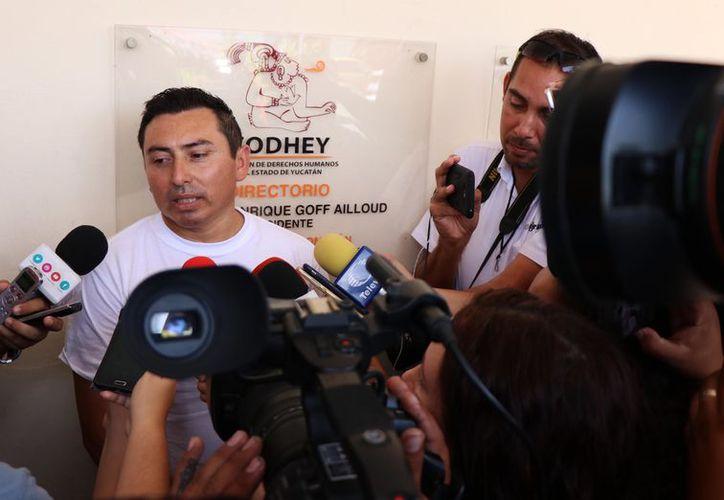 Miguel Chan, hermano del fallecido al interponer su denuncia ante la Codhey. (Victoria González/SIPSE)