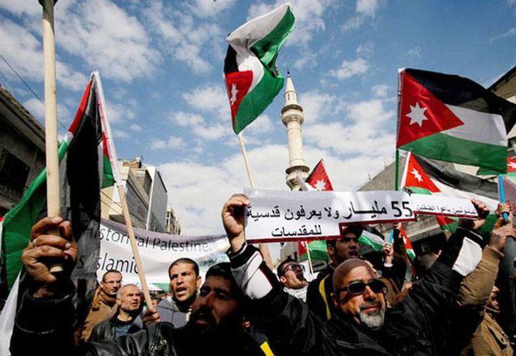Imagen de la Hermandad Musulmana en Jordania protestando contra EU e Israel el año pasado. (Archivo/Agencias)