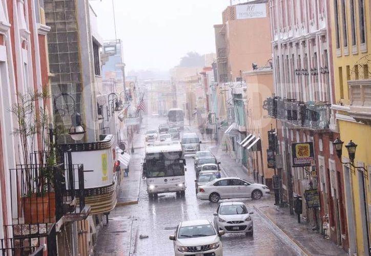 Estas precipitaciones se dan debido a la presencia de un canal de bajas presiones. (Jorge Acosta)