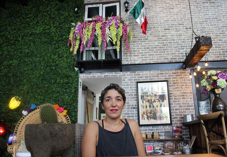 Ana Paola Portilla, artista plástica, será la encargada de dar el taller de tejido de camas. (Foto: Adrián Barreto)
