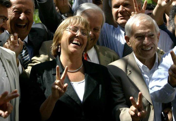 Michell Bachelet es la gran favorita para ganar nuevamente la presidencia chilena. (Agencias)