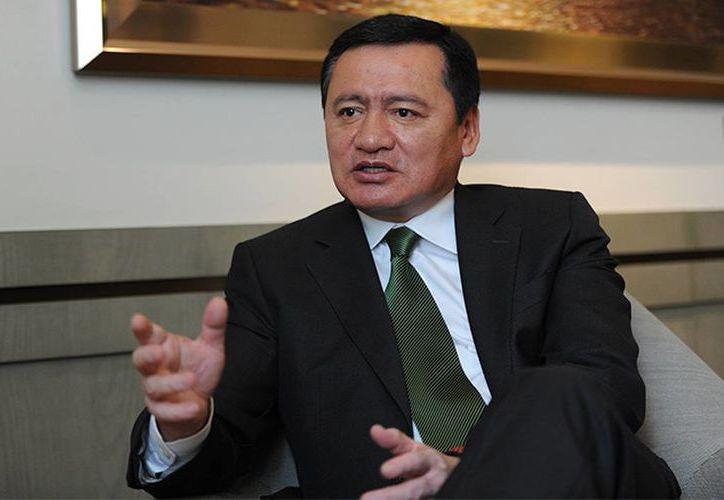 Miguel Ángel Osorio Chong negó que la investigación sobre el caso Iguala haya concluido. (Foto: QS Noticias)